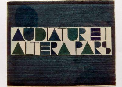 1972 | 105 x 150 cm | handgesponnene Wolle | Text: AUDIATUR ET ALTERA PARS | Es oll auch der andere Teil gehört werden | Besitz: Ferdi Walther, Offenbach